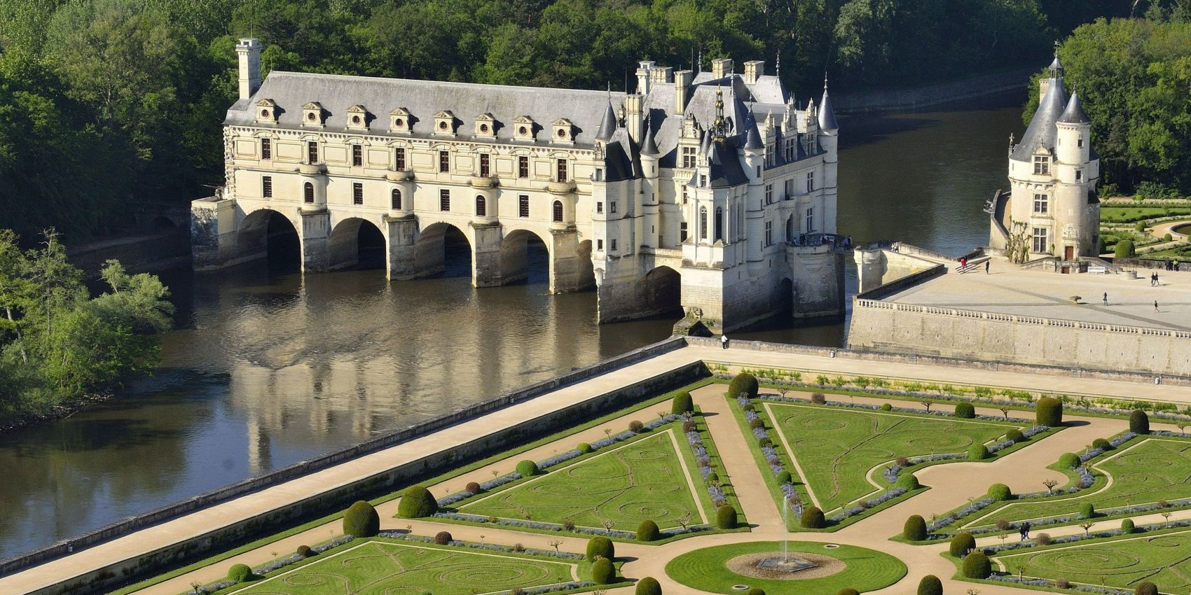 Tailor-made tours to Europe